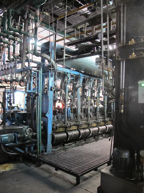 Bottle machine
